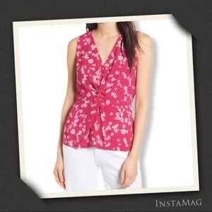 CHELSEA28 Twist Front Floral Sleeveless Top